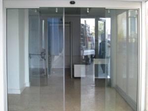 manetli profilsiz fotoselli kapılar